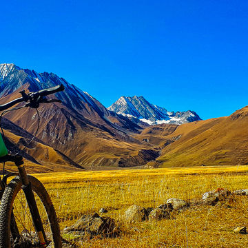 Around Kazbegi - e-bike tour to Truso Valley